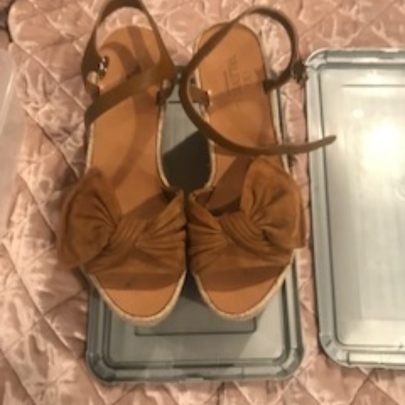 58dcf865a2 Valentino Shoes   Suede Tropical Bow Wedge Espadrille 75   Poshmark